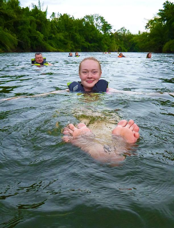 Два километра плыл рядом с группой и снимал фото и видео
