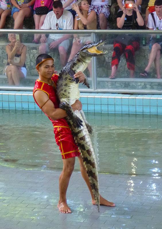 Дрессировщик крокодилов 2