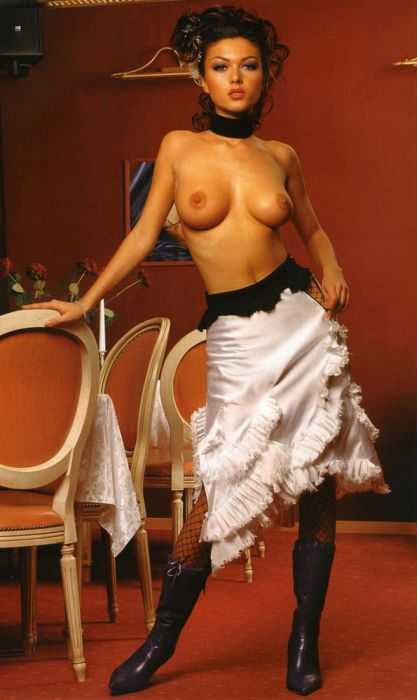 Откровенные фото актрис из сериала Кухня 043