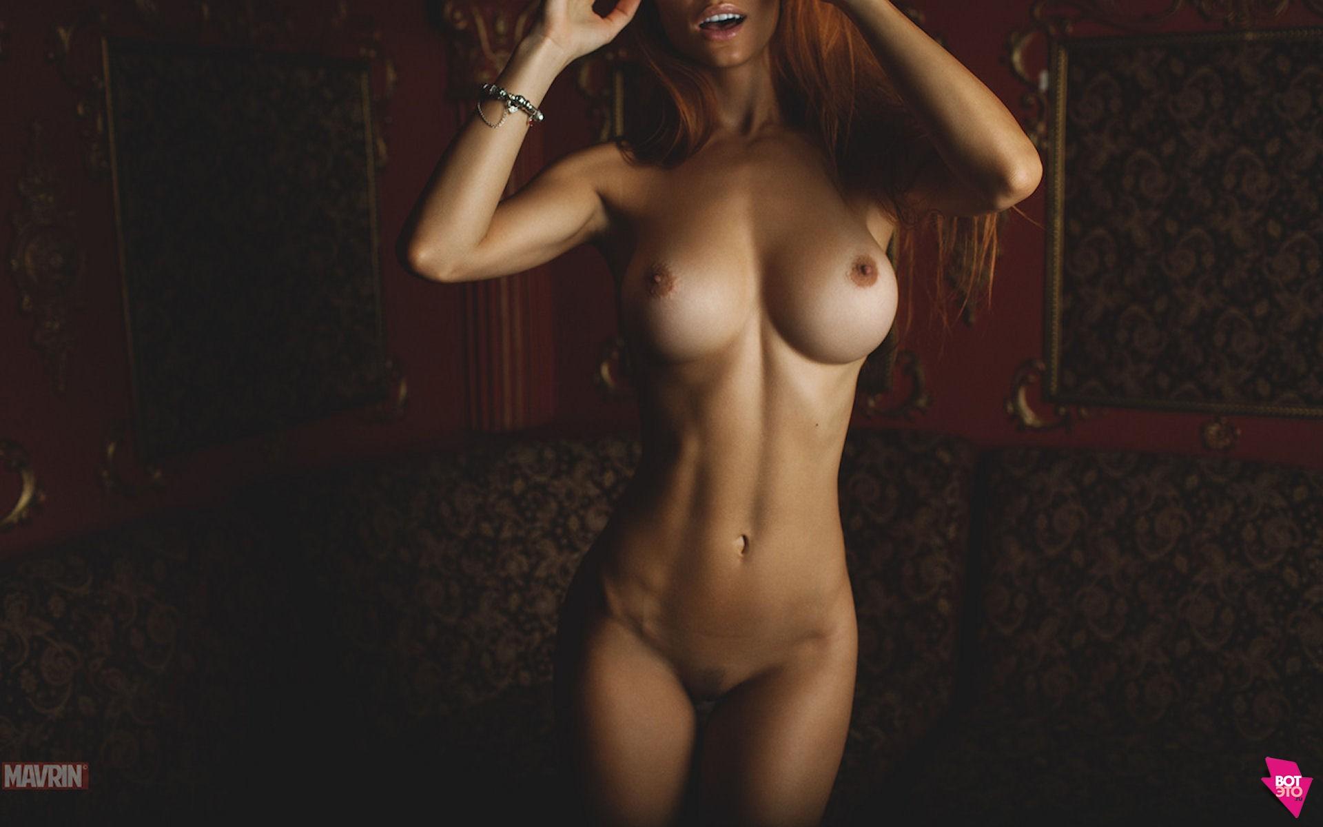 Рыжая девушка в ванной с айфоном пятым голая 19 фотография