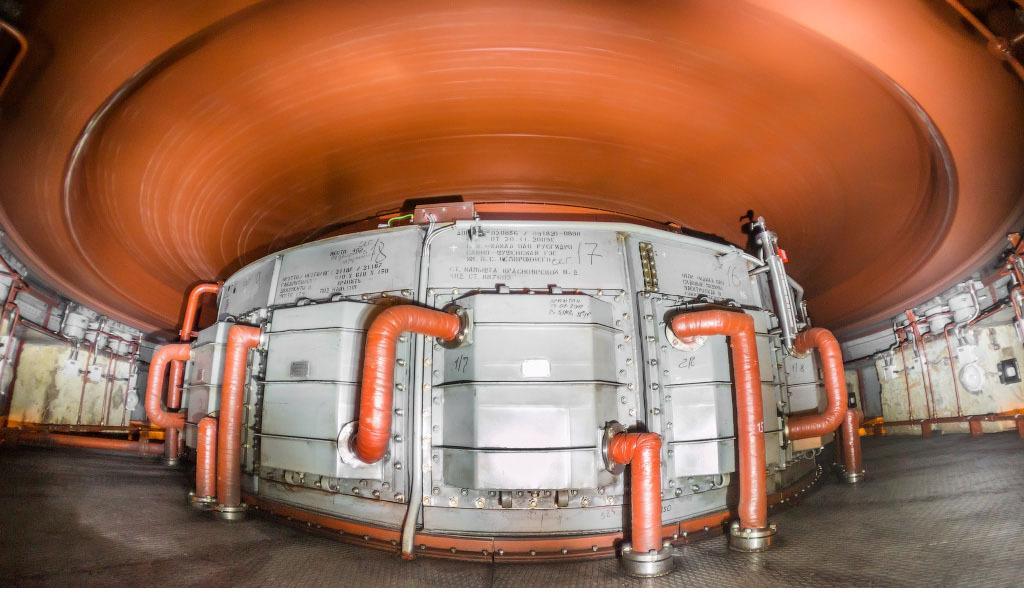Вращающийся ротор гидроагрегата СШГЭС