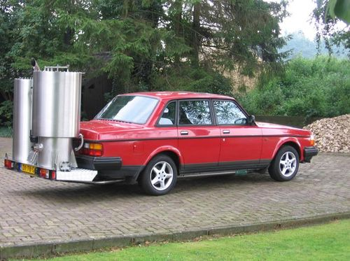Голландская Volvo 240