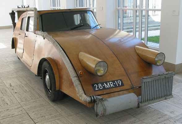Газогенераторный деревянный автомобиль Джоста Конина