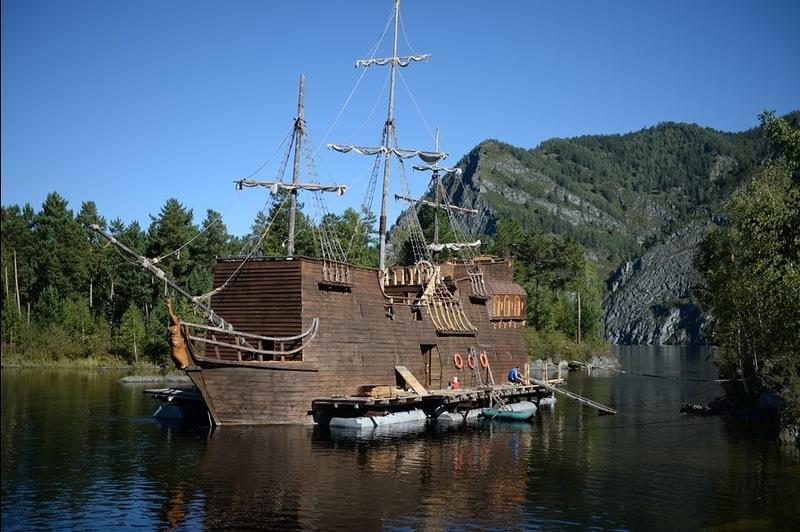 Корабль Черная Жемчужина Джека Воробья на Енисее 5