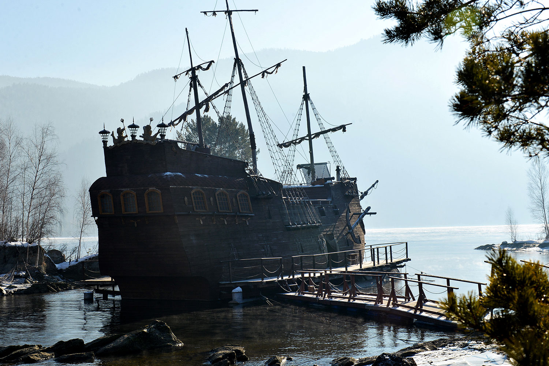 Корабль Черная Жемчужина Джека Воробья на Енисее 6