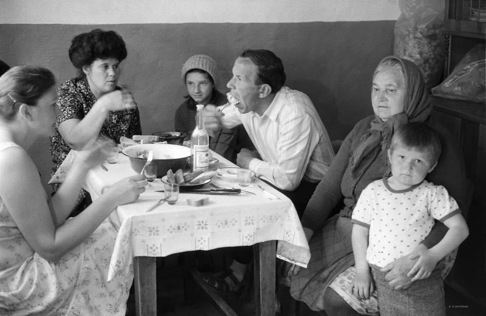 Пельмени у родственников. Краснослободск. Волгоградская область. 1982 год