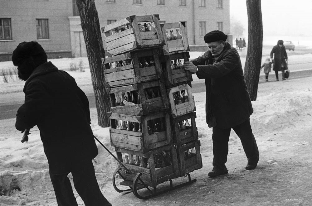 Приемщики стеклотары, Новокузнецк, 1982 год.