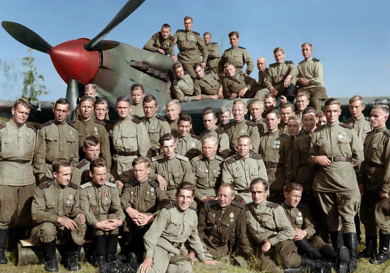 566-й (Солнечногорский) штурмовой авиационный полк, 1944 год