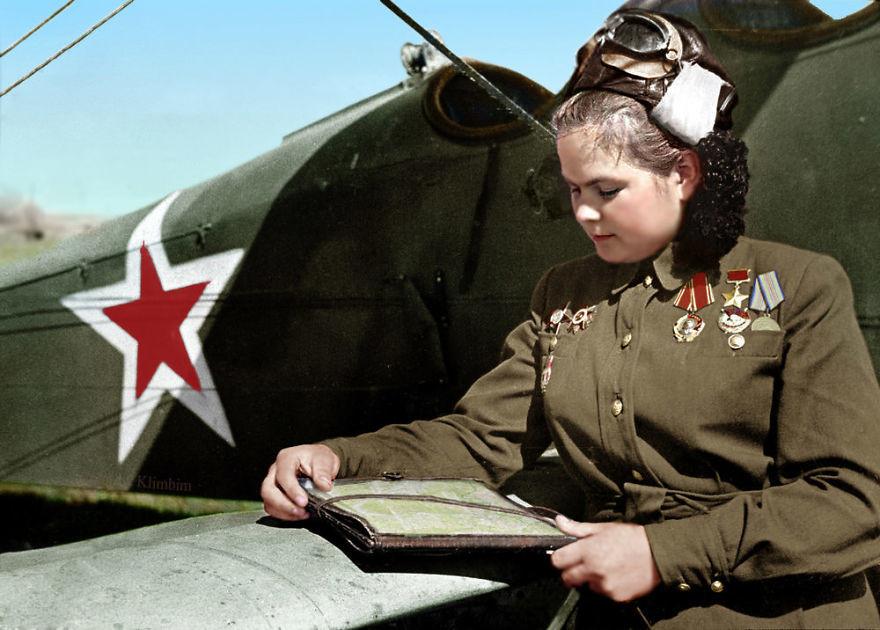 Екатерина Рябова, советский летчик, Герой Советского Союза, 1945 год время, россия, фотография, цвет