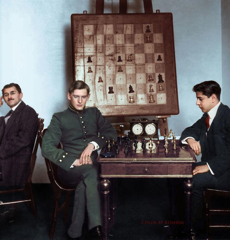 Шахматист Хосе Рауль Капабланка против Александра Алехина, Москва, 1913 год время, россия, фотография, цвет