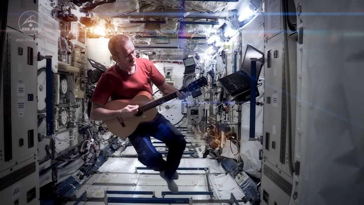 Астронавт снял клип на МКС