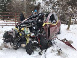 Tesla Model X – безопасный электрокар: пассажиры остались живы после страшной аварии