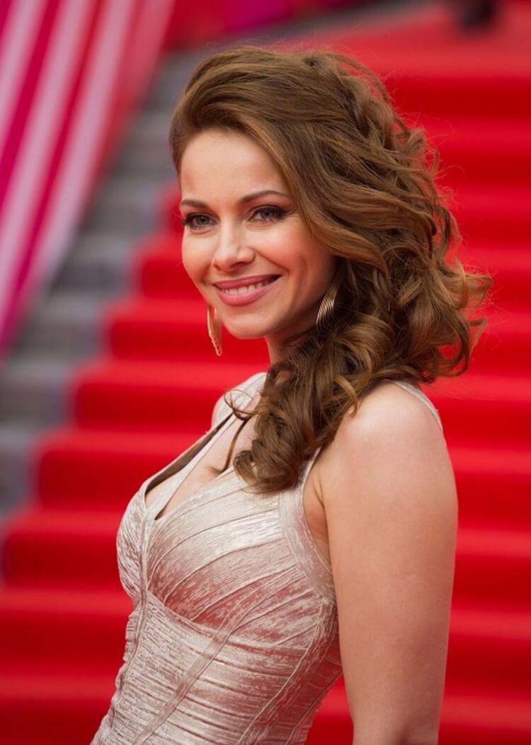 visokie-russkie-aktrisi-sm-porno-v-zhopu-orgazmi-podborka