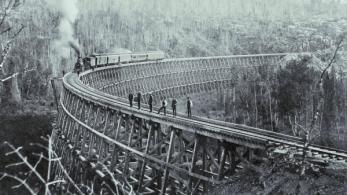 Старые снимки деревянных ж/д мостов из прошлого, которые поражают своим внешним видом