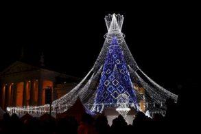 ТОП-5 самых лучших рождественских елок в Европе