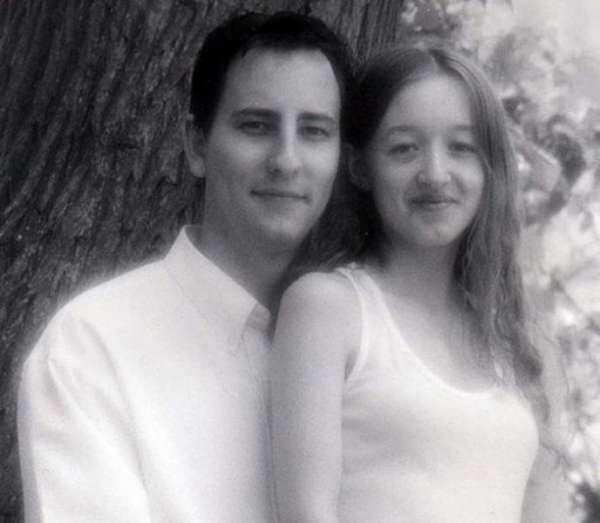 Супруги развелись через 2 года после женитьбы, а через 14 лет снова встретились