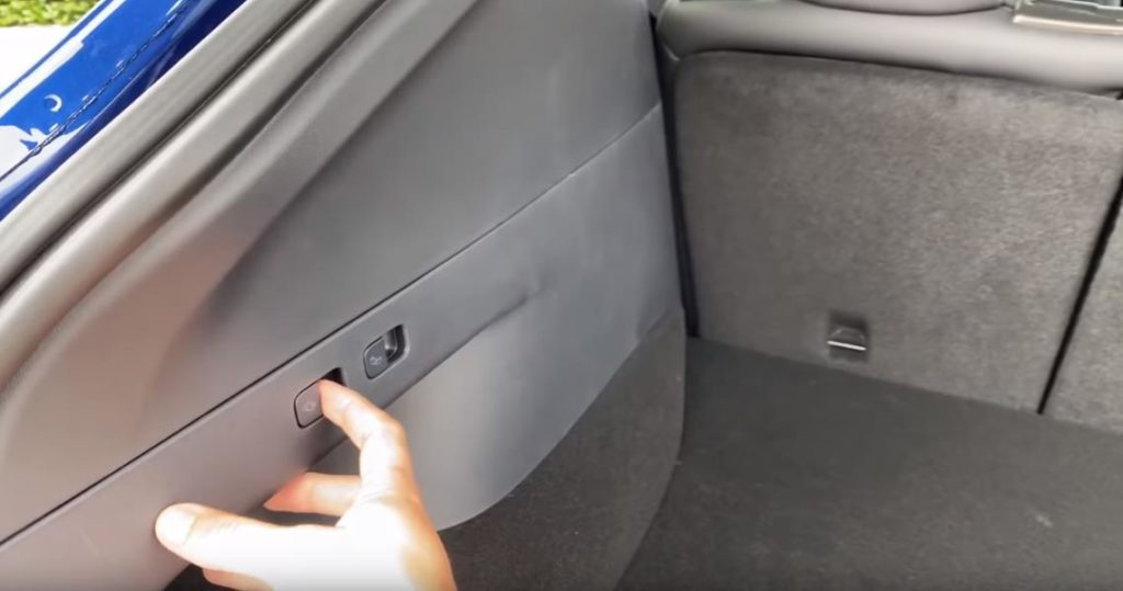 Багажник в Tesla Model Y