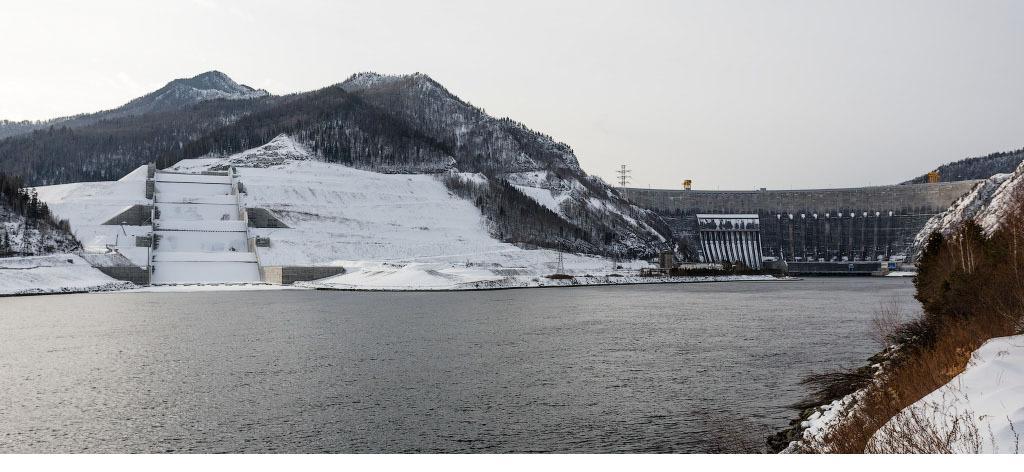 Водосброс и плотина СШГЭС