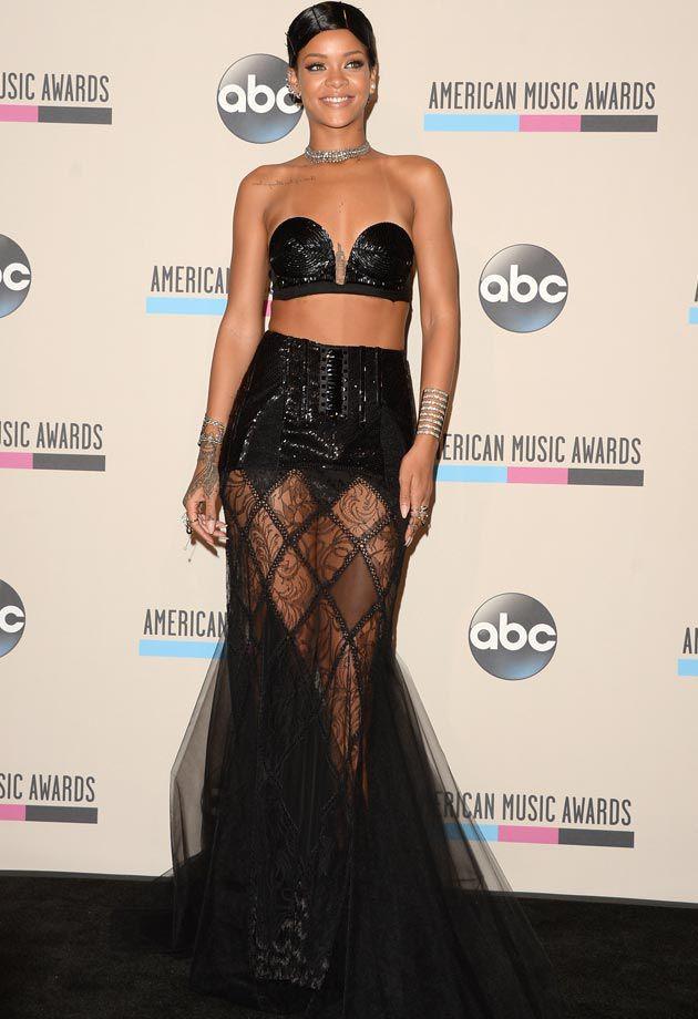Самые скандальные платья звезд 2013 года (15 фото)