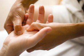 Лечим себя через пальцы