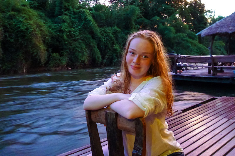 SO 800. После захода солнца на реке Квай