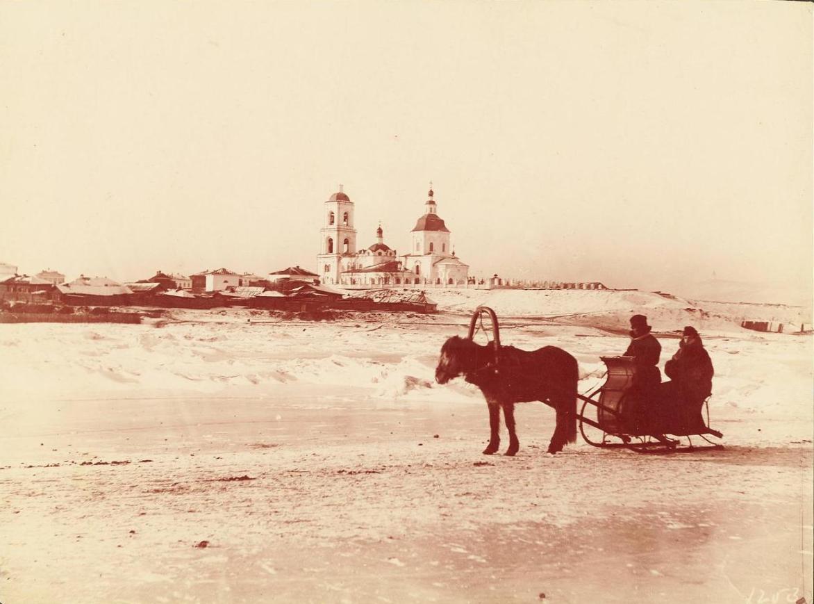 Вид на Красноярск с Енисея
