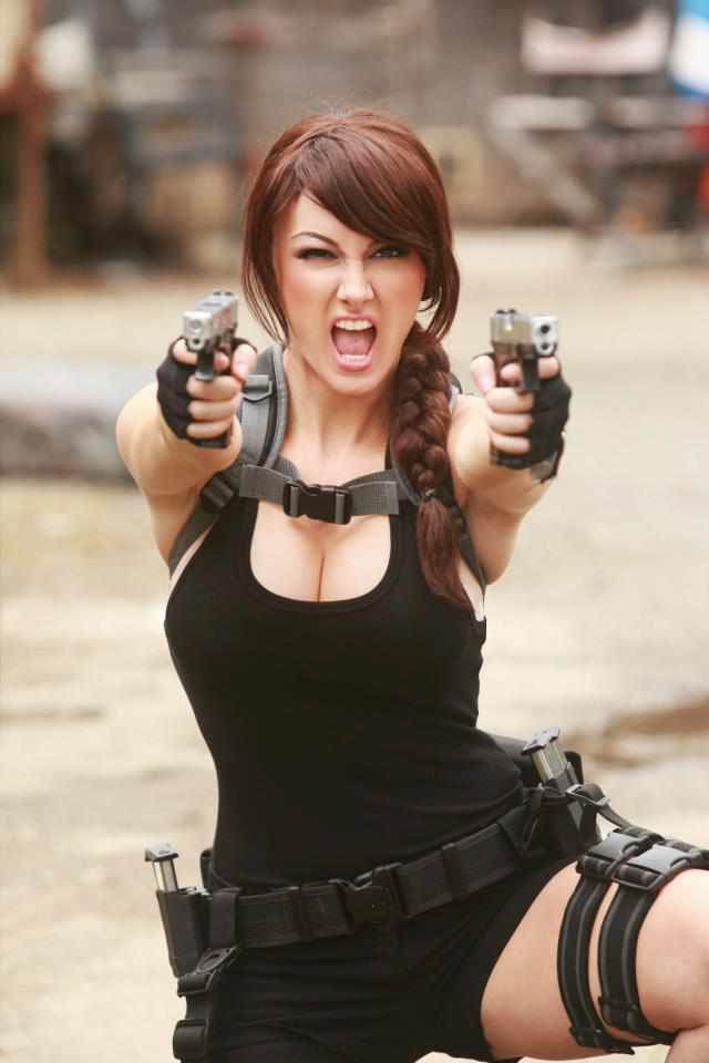 its_all_about_the_boobs_in_lara_croft_cosplay_04