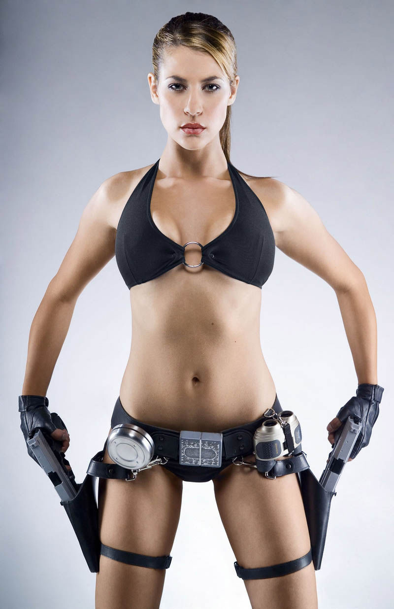 its_all_about_the_boobs_in_lara_croft_cosplay_11