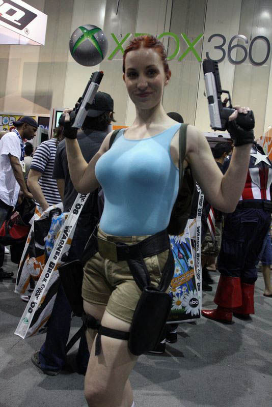 its_all_about_the_boobs_in_lara_croft_cosplay_21