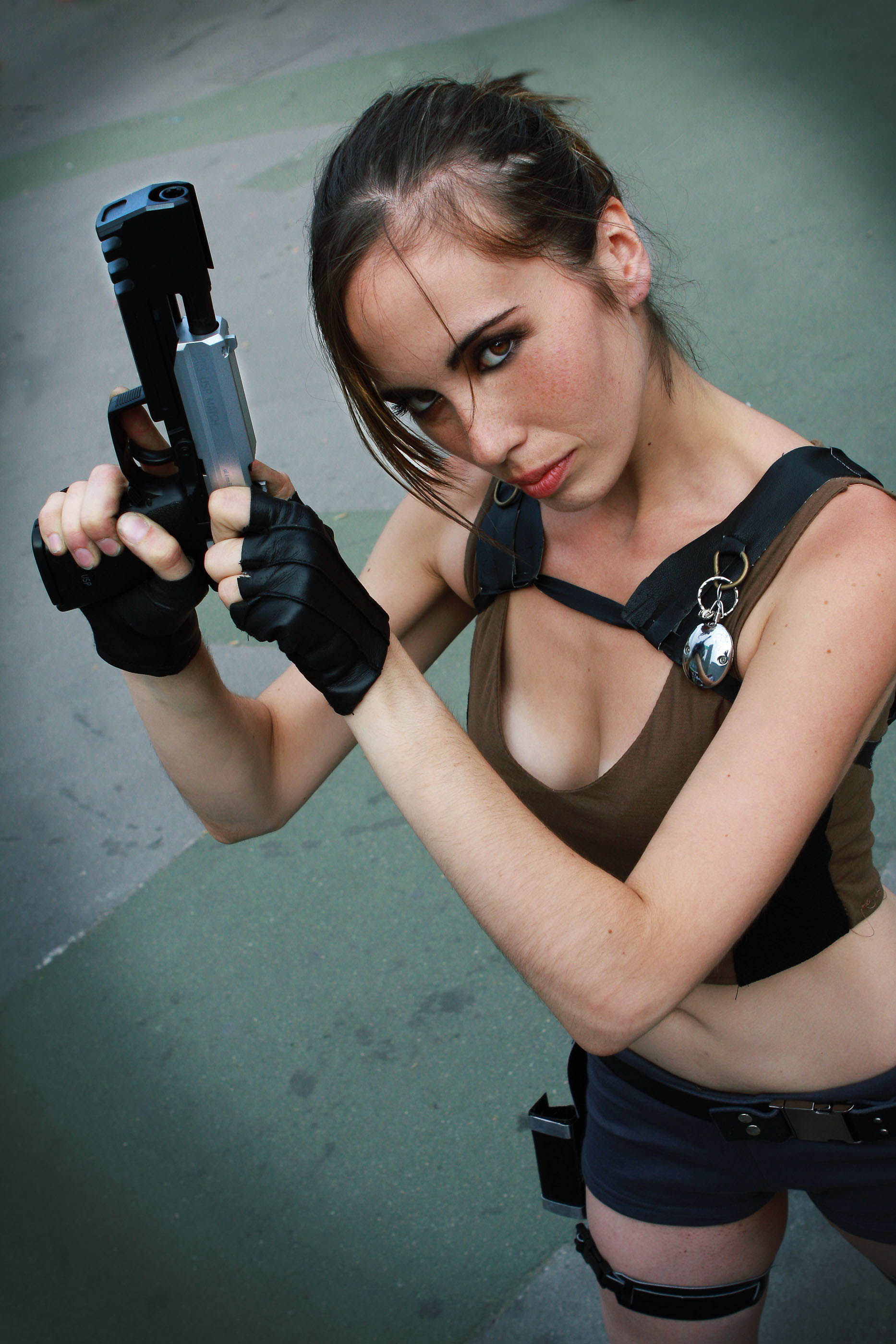 its_all_about_the_boobs_in_lara_croft_cosplay_23