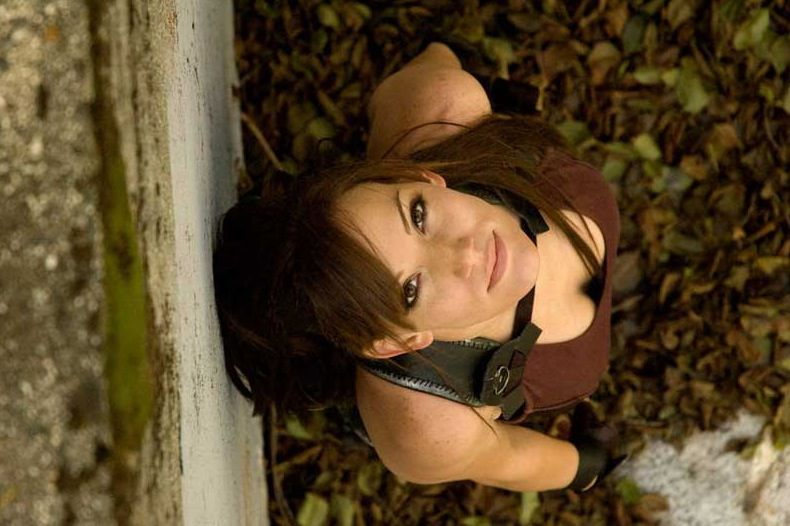 its_all_about_the_boobs_in_lara_croft_cosplay_40